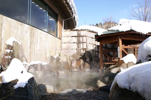スキー場温泉「やすらぎ」露天